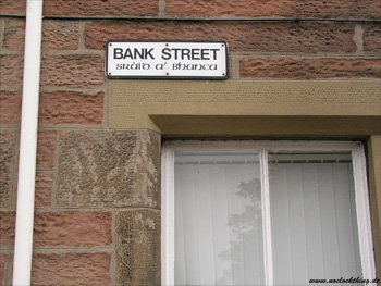 Bilingual street sign in Inverness